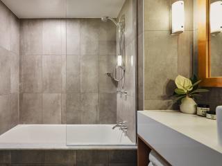 Superior Room Bathroom 2